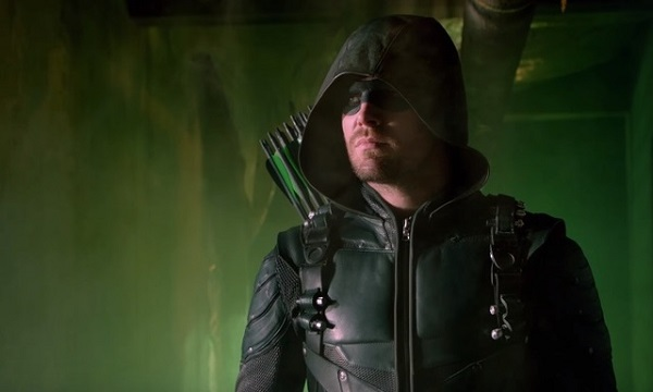 stephen_amell_green_arrow_season_5_oliver_queen